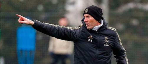 Zinédine Zidane a la pression des supporters après le match de dimanche. Credit : Instagram/realmadrid