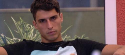 """Atletas foram os maiores apoiadores do brother durante o paredão desta semana do """"BBB20"""". (Reprodução/TV Globo)"""
