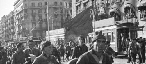 Las fotos de la Guerra Civil que no se han visto nunca: bombas ... - elespanol.com