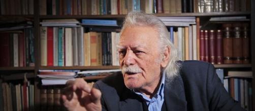 Manolis Glezos si è spento a 97 anni.