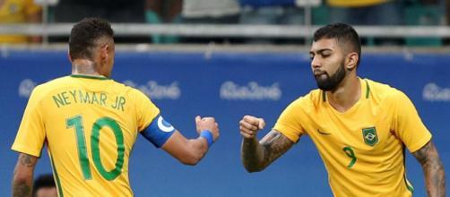 Revelados pelo Santos, Gabigol e Neymar atualmente são companheiros de seleção. (Arquivo Blasting News)