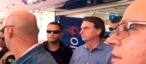 """Bolsonaro brinca: """"Fui fazer teste de gravidez"""". (Reprodução/redes sociais)"""