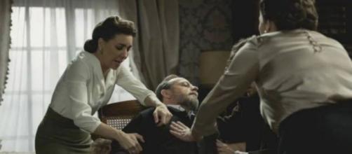 Il Segreto, spoiler Spagna: Lazaro tenta di uccidere Raimundo, Francisca lo salva.