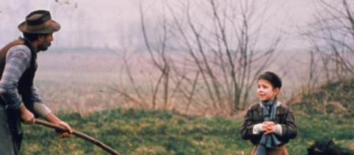 L'albero degli zoccoli, il film di Ermanno Olmi nel palinsesto del Venerdì Santo in tv su Raitre e in streaming online su Raiplay - mediaset.it