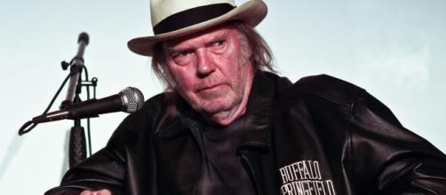 Neil Young è l'autore di 'Shut it down 2020', la musica ai tempi del virus corona.