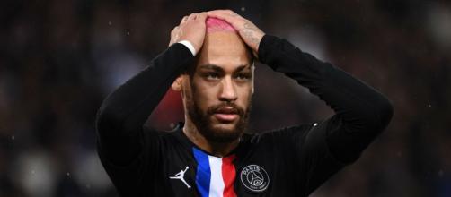 Neymar pourrait voir son salaire baisser de 50%