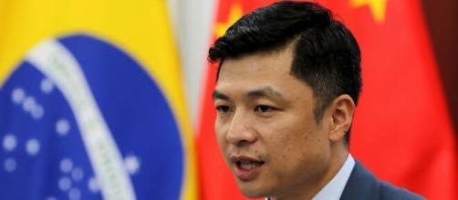 Qu Yuhui diz que declarações de 'irresponsáveis' não vão abalar relação Brasil/China. (Arquivo Blasting News)