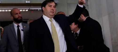 Rodrigo Maia discorda do uso do Parlamento em briga política de Bolsonaro com governadores. (Arquivo Blasting News)