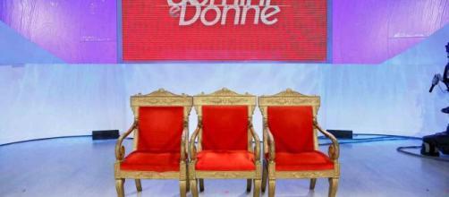 Uomini e Donne potrebbe tornare il 20 aprile con puntate inedite.