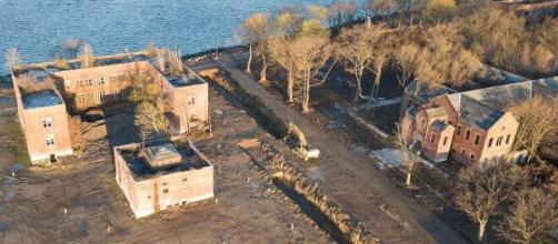 """Nueva York """"devastada"""" por entierros temporales en fosa común de Hart Island"""