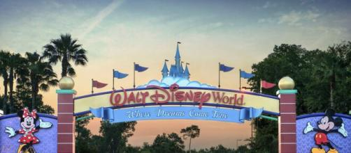 Coronavirus, il parco Disney World divenuto città fantasma