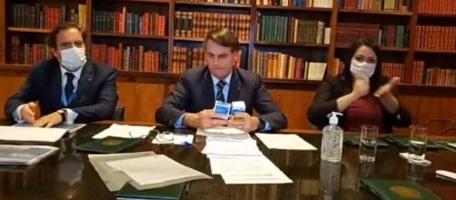 Bolsonaro defende o uso da cloroquina. ( Reprodução/Youtube)