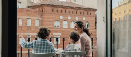 """""""Cine de Balcón"""" es la nueva iniciativa de Amazon Prime Video, para ayudar a entretener a los madrileños durante el confinamiento."""