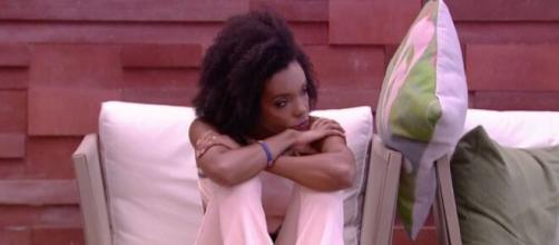Thelma fica pensativa após votar em Babu. (Reprodução/TV Globo)