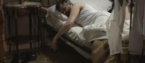 Una Vita, anticipazioni spagnole: Felipe si sveglia attonito accanto a Laura