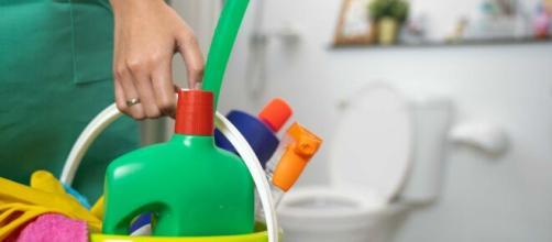 Algunos productos de limpieza no se deben mezclar con cloro. - telemundo.com