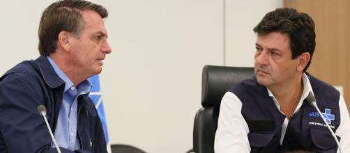 Bolsonaro e Mandetta durante coletiva de imprensa. (Arquivo Blasting News)
