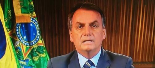 Jair Bolsonaro mais uma vez dá informação falsa sobre o novo coronavírus. (Arquivo Blasting News)