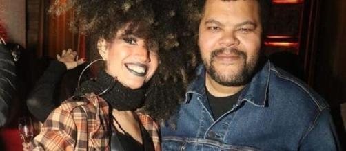 Namorada de Babu Santana desmente fake news sobre a mensalidade da filha do ator. (Reprodução/Instagram)