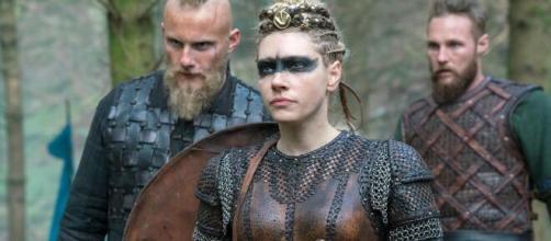 Atores de 'Vikings' sem a caracterização. (Arquivo Blasting News)