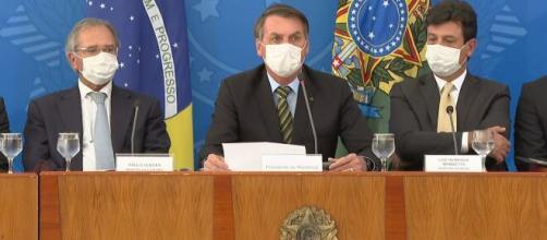 Bolsonaro estuda nomes para substituir Mandetta do cargo de ministro da Saúde (Fonte: Blasting)