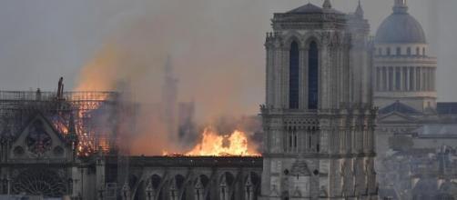Incendio Notre Dame: le ultime news e le cause