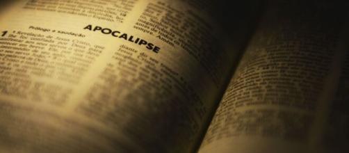 Livro de Apocalipse: nele esta é a revelação de Jesus Cristo. (Arquivo Blasting News)