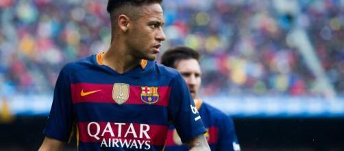 Neymar conquistou a Liga dos Campeões pelo Barcelona e a Libertadores pelo Santos. (Arquivo Blasting News)