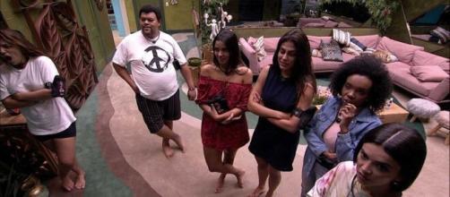 """No """"BBB20"""", brothers especulam mudança no telão. (Reprodução/TV Globo)"""