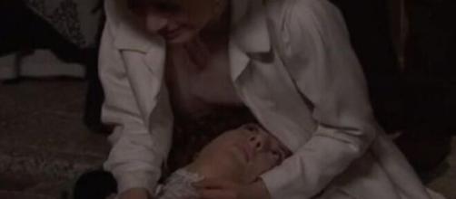Una Vita, anticipazioni al 24 aprile: la moglie di Felipe cade mortalmente dalla finestra.