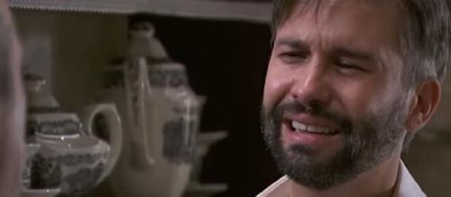 Una Vita, spoiler Spagna: Felipe apprende che Trini è morta per mano di sua moglie.