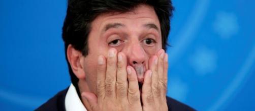Bolsonaro demite ministro Mandetta do ministério da saúde. (Arquivo Blasting News)