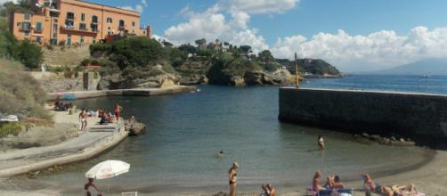 In Campania si ipotizza la chiusura delle spiagge libere.