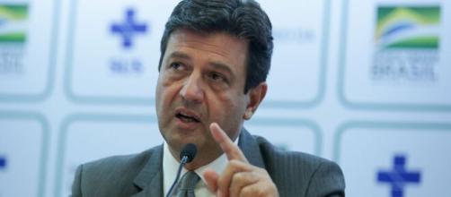 Luiz Henrique Mandetta usou as redes sociais para anunciar a sua demissão. (Arquivo Blasting News)