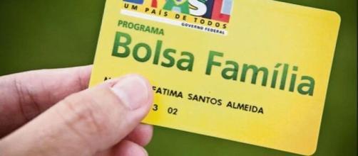 O auxílio emergencial para os beneficiários do Bolsa Família começará a ser pago nesta quinta-feira (16). (Arquivo Blasting News)