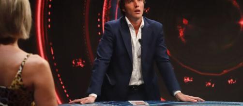 Antonella Elia su Paolo Ciavarro: 'Faceva la tappezzeria'.