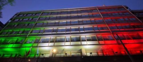 Intervista all'Head of Italy Market di Enel Nicola Lanzetta - Nella foto, la sede centrale di Enel illuminata con il tricolore per solidarietà