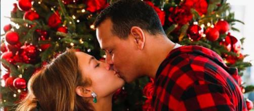 Jennifer Lopez et Alex Rodriguez reportent leur mariage. Liste des ex maris de JLO. Credit : Instagram/jlo