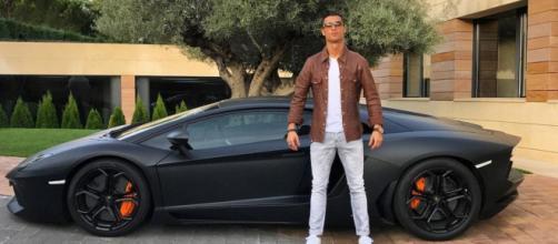 La collection de voitures de Cristiano Ronaldo à 18,5 millions d'euros. Credit : Cristiano / Instagram