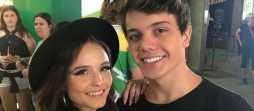 Larissa Manoela e Léo Cidade fazem piquenique no aniversário de namoro. (Arquivo Blasting News)