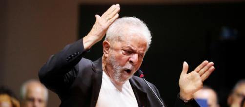Lula chama Bolsonaro de 'irresponsável' e diz que o presidente faz 'pouco caso' do vírus. (Arquivo Blasting News)