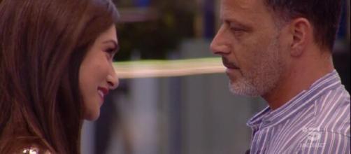 Ambra Lombardo dichiara che la storia d'amore con Kikò Nalli è finita.