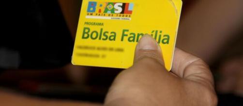 Caixa começa a pagar auxílio emergencial aos beneficiários do Bolsa Família. (Arquivo Blasting News)