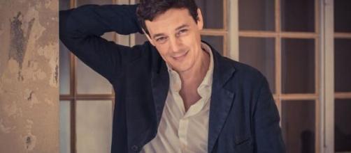 Giorgio Lupano fa un video in cui parla con Luciano del Paradiso delle signore