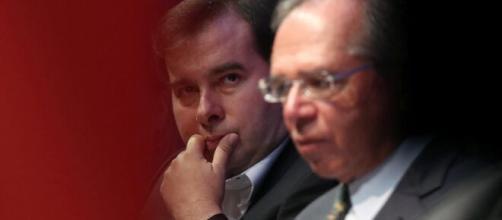 Paulo Guedes e Rodrigo Maia: a relação estremeceu. (Arquivo Blasting News)