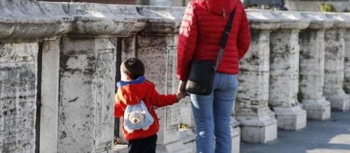 A partir del 27 de abril Sánchez aliviará el confinamiento de los menores