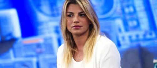 Emma Marrone sull'addio con De Martino: 'Perdono? Belen non ha fatto niente di male'.
