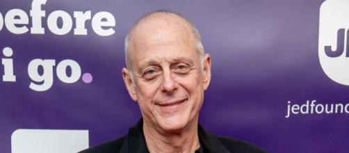 Mark Blum era um ator bastante conhecido, mas que acabou contraindo o coronavírus. (Arquivo Blasting News)
