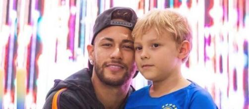 Neymar e o filho Davi Lucca. (Foto: Instagram).
