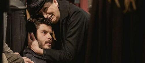 Una Vita, trame Spagna: Ursula uccide il marito di Lucia avvelenandolo.